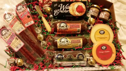 Alaskan Gift Baskets • Smoked Salmon, Sausage, & Chocolate.