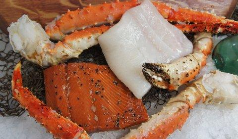 Alaskan Seafood Gifts. Dinner For Two - 2 lbs. Alaskan Red King Crab, 1 lb. Halibut